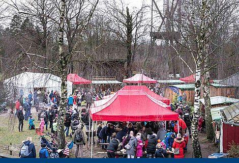 Viele Besucher bei der Waldweihnacht