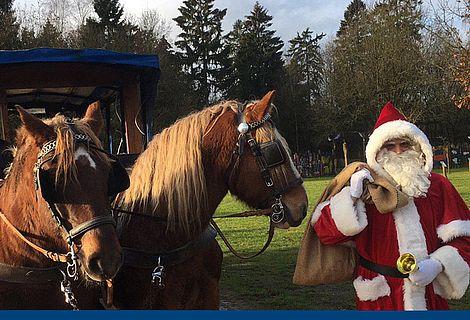 Weihnachtsmann mit Kutsche