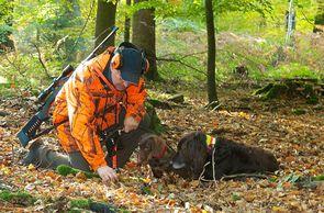 Auch das ungeschriebene Gesetz der Waidgerechtigkeit, an das sich alle Jäger halten, sichert tierschutzgerechtes Jagen.